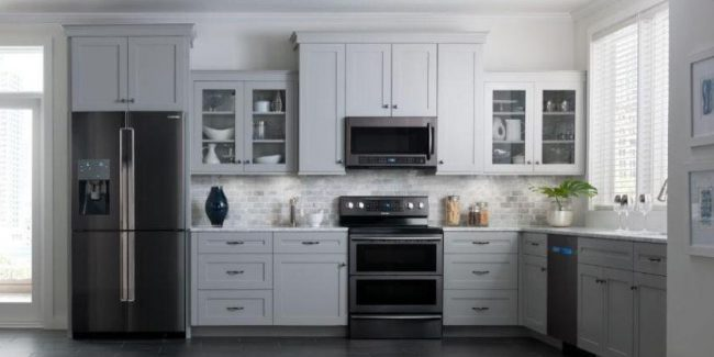 Black Stainless Steel appliances - Hot Kitchen remodel and design trend